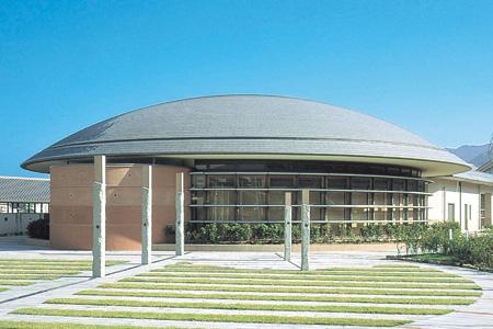 桜井市立図書館(奈良県) 設計:株式会社東畑建築事務所