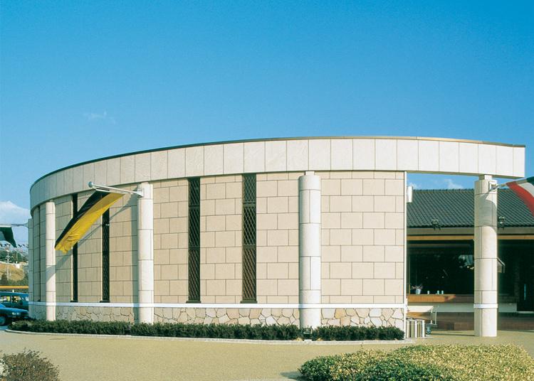 亀山安全文化村 ビール工房・ドライブイン(三重県) 設計監理:DAI建築設計事務所